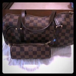 💯 %authentic Louis Vuitton Papillon handbag